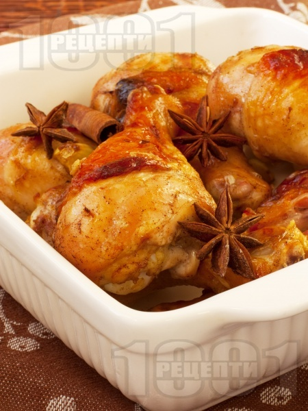 Коледни печени пилешки бутчета с канела и мед в тава на фурна - снимка на рецептата